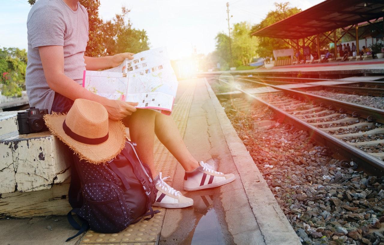 「【初心者必見】海外一人旅おすすめ国と安全に過ごす方法を紹介!」のアイキャッチ画像