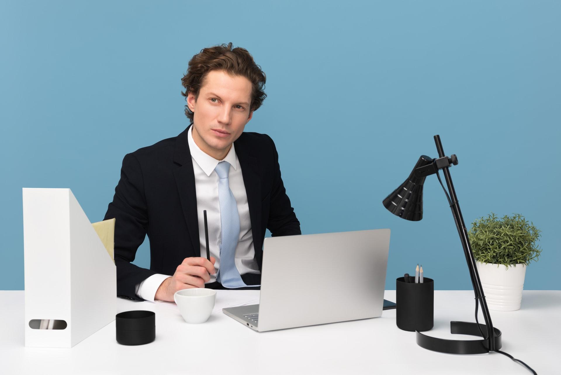 「若手サラリーマン必見!第二新卒の転職をおすすめする3つの理由」のアイキャッチ画像