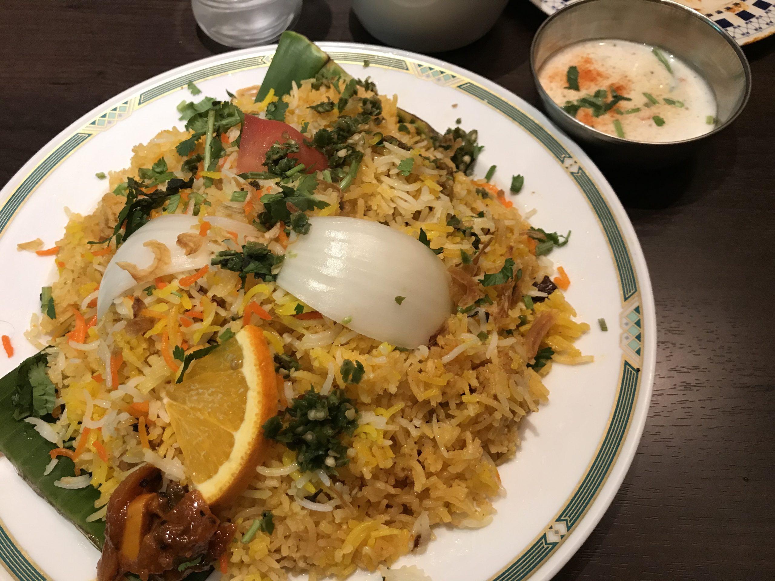 「東京のおすすめインド料理3選!美味しいカレーやビリヤニを食べよう」のアイキャッチ画像
