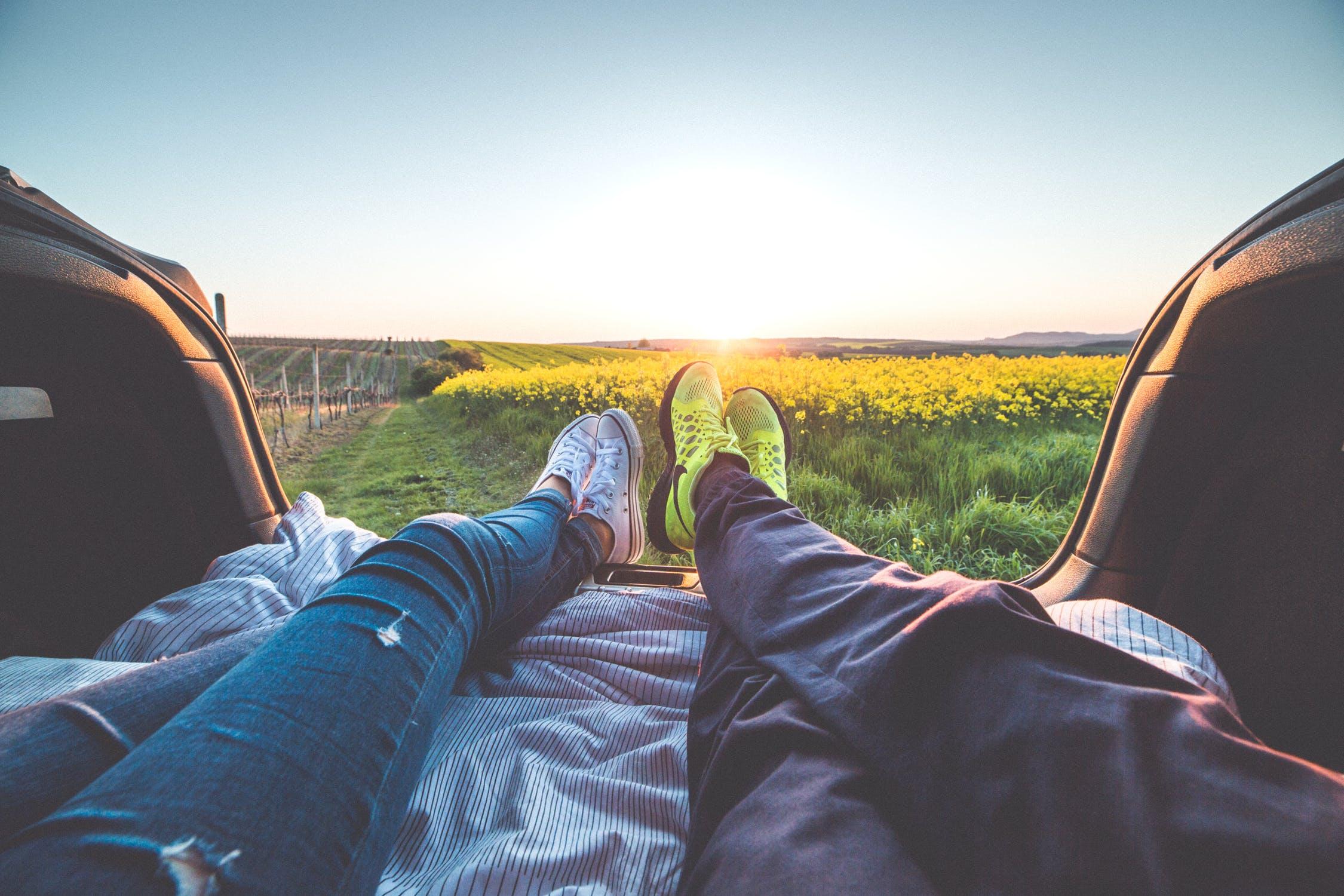 「【必見!】つらい遠距離恋愛を成功させるコツとは?」のアイキャッチ画像
