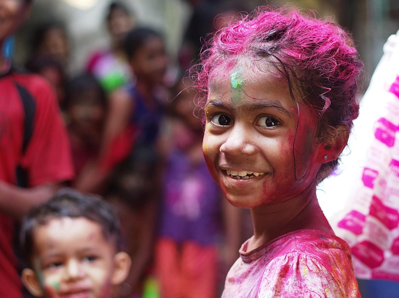 「【スラムドッグ$ミリオネア】インドの劣悪環境で生きる貧困の子供達」のアイキャッチ画像