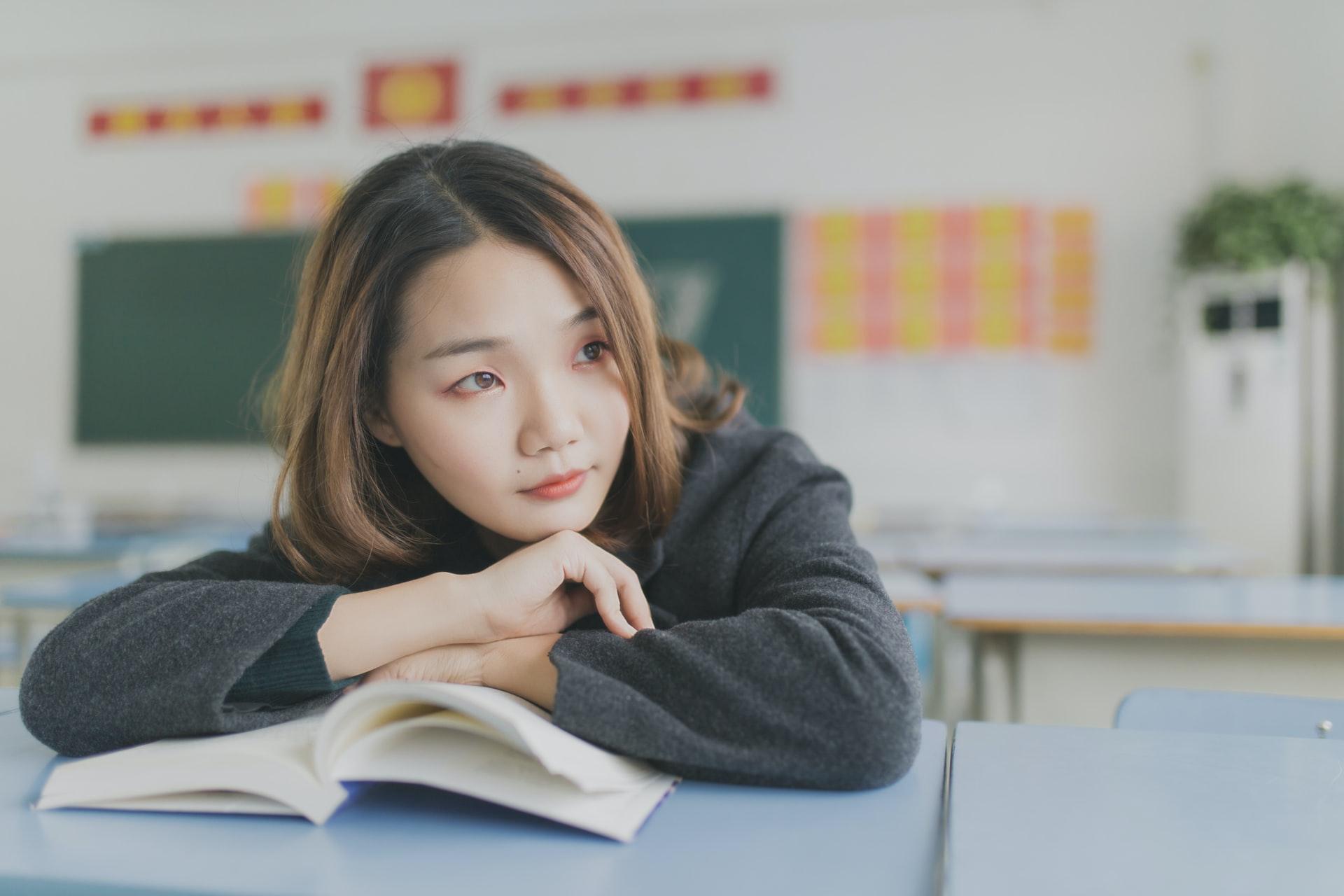「【大学受験】英語の文法の勉強方法とおすすめ参考書!ゼロから学べる」のアイキャッチ画像