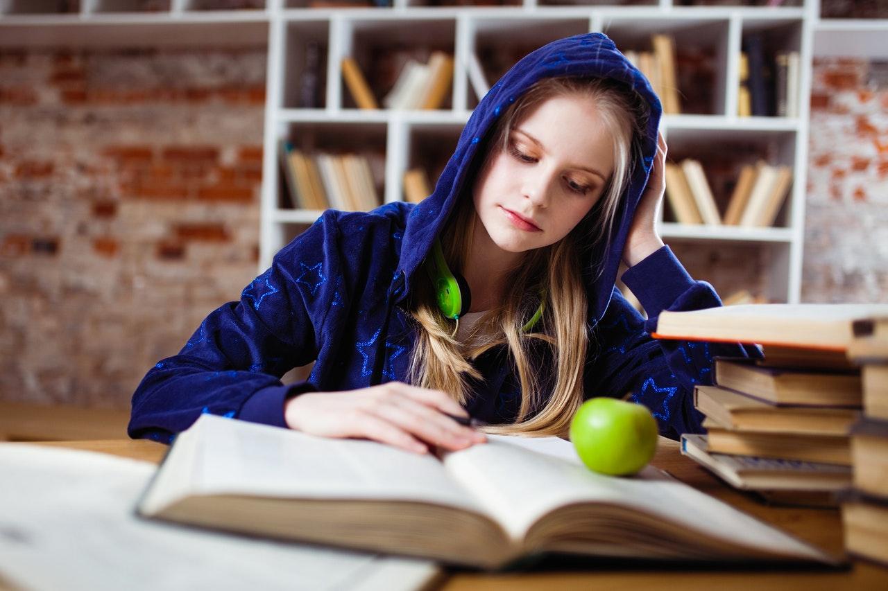 「海外留学に匹敵する英語の成長!日常で英語を浴びるおすすめ方法7選」のアイキャッチ画像